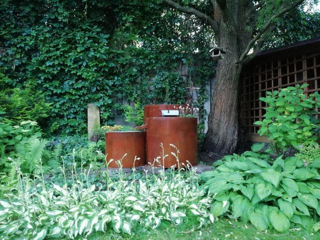 Cortenová fontána